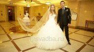 Фата невесты терялась где-то вдали..